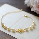 Bridal Bracelet. Gold Flower Pendant and Swarovski Cream Pearl Bracelet. Wedding Jewelry, Bridesmaid Bracelet, Maid of Honor Gift