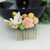 Romantic bridal hair comb