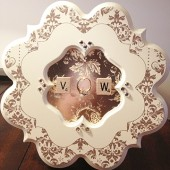 Romantic Damask Frame Ring Holder