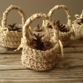 Pine cone gift basket