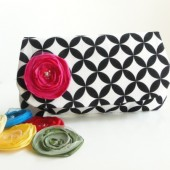 clutch geometric print black and white