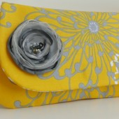 clutch in yellow and gray