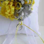 ring pillow in gray and yellow