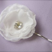 White or Ivory Petite Flower Hair Pin