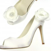 Bridal rhinestone white flower shoe clips