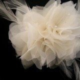 ivory bridal hair flower whit feathers