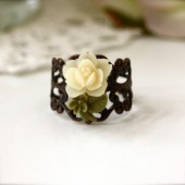 A Stalk of Tiny Ivory Cream Rose Filigree Ring