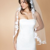 Perla - Fingertip Length Single Tier Veil Edged With Alencon Lace Appliques