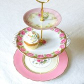 Pink roses cupcake stand