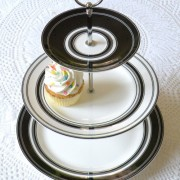 Black and White Modern Cupcake Stand Cake Plate