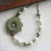 Olive and Ivory Pearls Necklace
