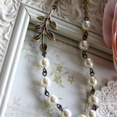 A lovely Leaf Branch and Ivory Pearls Necklace