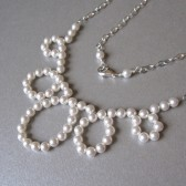 pearl loops necklace