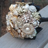Gold Brooch Bopuquet
