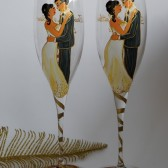 Hand painted Wedding Toasting Flutes Set of 2 Personalized Champagne glasses Groom and Bride Wedding valse gold