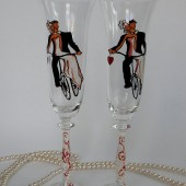 Hand painted Wedding Toasting Flutes Set of 2 Personalized Champagne glasses Groom and Bride Married on bicycle