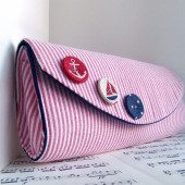 Red nautical clutch