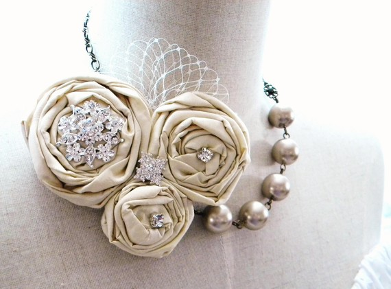 bridal statement necklace beige