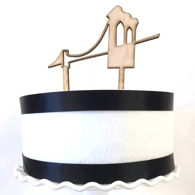 CAKE TOPPER  NY brides check out this awesome BrooklynBridgehellip