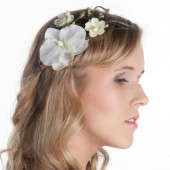 Orchid hair clip for bride, White orchid for hair, Woodland wedding hair accessories, Floral hair piece, Flower for hair