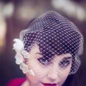 Bridal birdcage veil with flowers