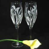 Personalized Calla Lily Champagne Flutes, Gift for Couple