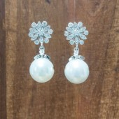 Juliet Pearl Earrings