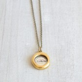 DATE SEAL NECKLACE