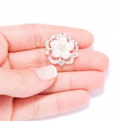 DIAMANTE FLOWER BUTTONS 705