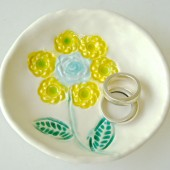 yellow flower girl ring dish