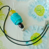 Turquoise lace pendat, with pearl