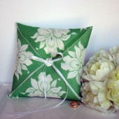 Emerald Vintage Handkerchief Ring Pillow
