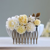 Shades of Ivory Bridal Hair Comb. Vintage Inspired Leaf and Flowers Collage Hair Comb. Bridal Party Hair Comb, Wedding Hair Comb