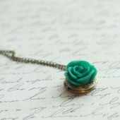 Emerald Green Bridesmaid Locket - Pick from 11 Rose Colors - Flowergirl Locket - Antique Brass Locket Necklace
