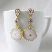 white geode earrings, geode jewelry,