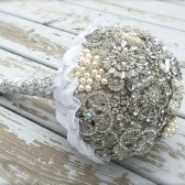 brooch bouquet, bridal bouquet, bling bouquet, brooches, flowers, wedding ideas, bling, bridal shop, wedding shop