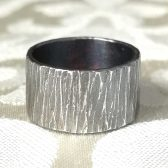 Oxidized silver wedding ring by Gaia\'s Candy