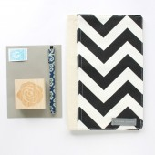 Organizer in Black and White Chevron