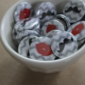 "1"" Lips/Mustaches Buttons"