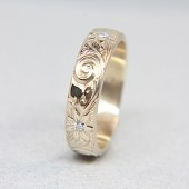 Diamonds & Flowers Gold Wedding Band