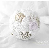 Brooch Bouquet Bridal Bouquet Jeweled Bouquet in White, Bridal White and Off White