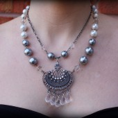 Elsie Vintage Pendant Necklace with Pearls