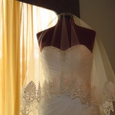 Elegant Lace Drop Wedding Veil
