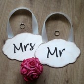Wedding sign Mr and Mrs wooden wedding decoration Rustic and barnyard chic