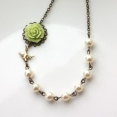 Green Flower and Ivory Pearls Necklace