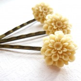 Beige Bobby Pin Set