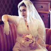 Single Layer Silk Veil Chantilly Lace Trim