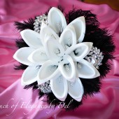 "11"" Diamonds in the sky Bridal Brooch Bouquet - Calla Lilies, Ostrich Feathers and Bling + FREE Groom Boutonniere"