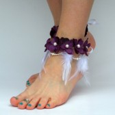 beach-wedding-anklet-barefoot-jewelry, purple-hydrangea-flowers, pearls, bridal-foot-jewelry