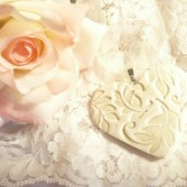 bouquet charm, ivory heart, heart with leaves, nature theme, bride bouquet charm, bridesmaid bouquet charm